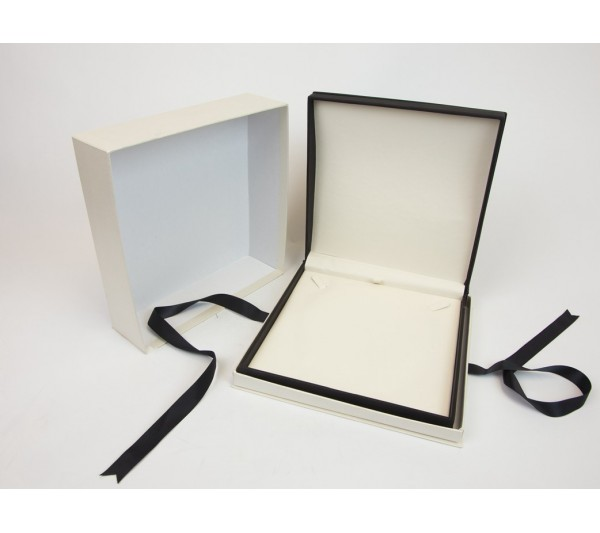 """Wilson Collection Leatherette Necklace Box 7 1/2"""" x 7 1/2"""" x 1 7/8"""""""