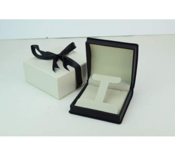 "Wilson Collection Leatherette Pendant / Large earring Box 4"" L x 4"" W x 1 7/8"" H"