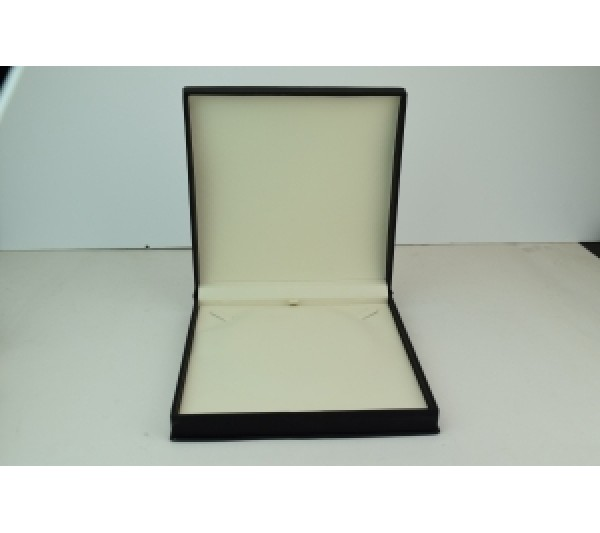"Wilson Collection Leatherette Necklace Box 7 1/2"" x 7 1/2"" x 1 7/8"""